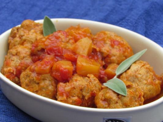 קציצות בשר ברוטב עגבניות שרי ואננס